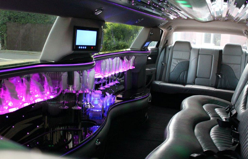baby bentley limo wedding limo hire cupid carriages. Black Bedroom Furniture Sets. Home Design Ideas