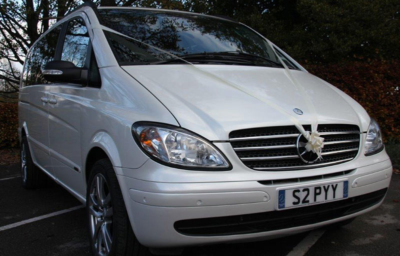 Close up front image of the Mercedes Viano outside wedding