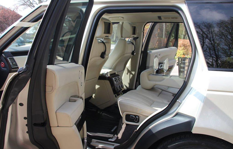 Outside view of the Range Rover Vogue